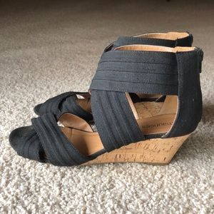 Black canvas wedges